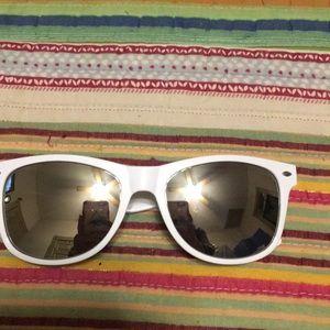 Accessories - White mirrored sunglasses